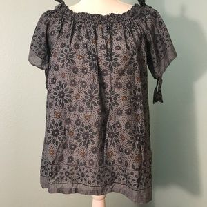 Loft Boho Gray w/floral print top with bow sleeves